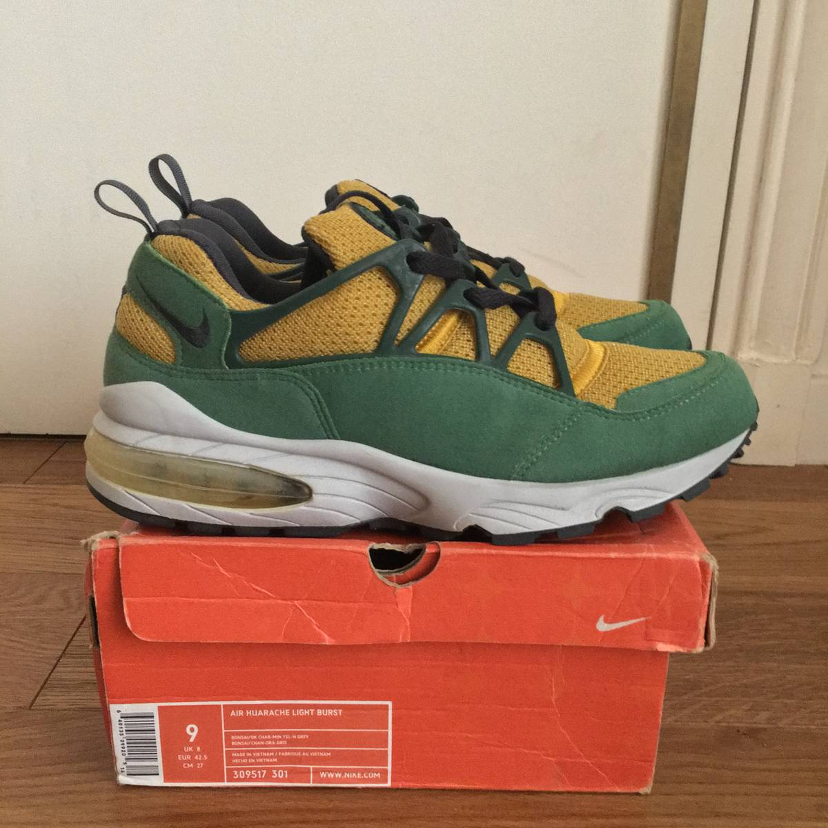 sale retailer 805f8 fd2b4 Nike Air Huarache Light Burst Brazil DS 9 US 2004 Factory Laced Jordan Kaws  Supreme CDG ...