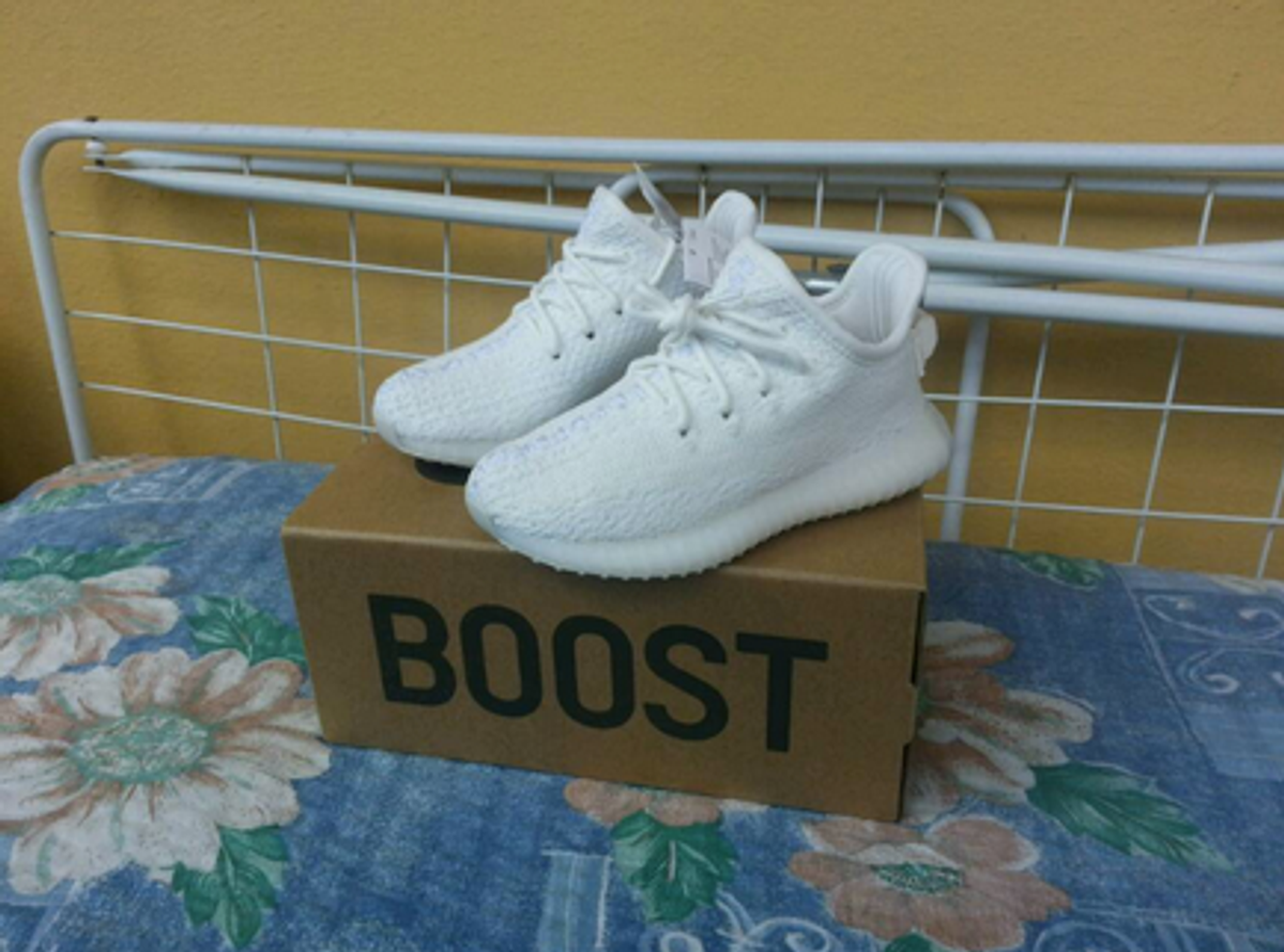 Buy Yeezy Boost 350 v2 White 'Triple White' Stripe SPLY 350 Review
