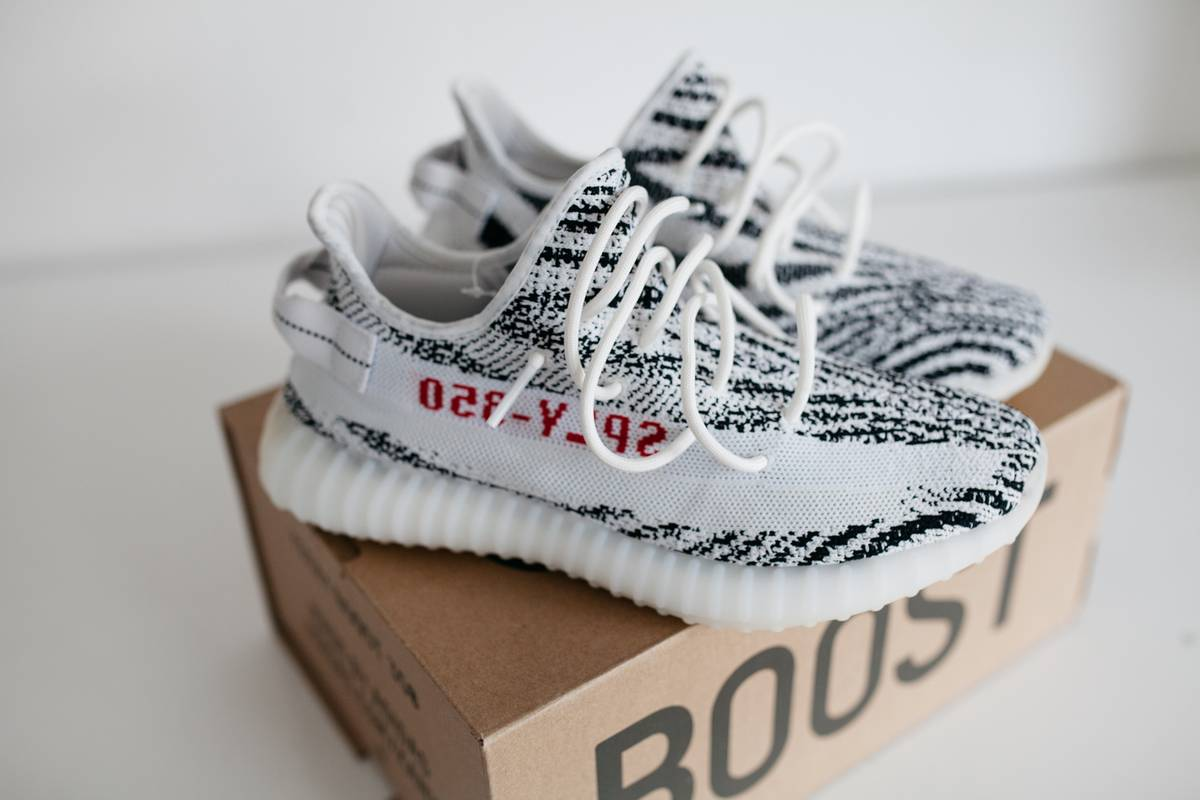 Adidas Yeezy 350 Boost V2 Blade Black $ White HD Review from