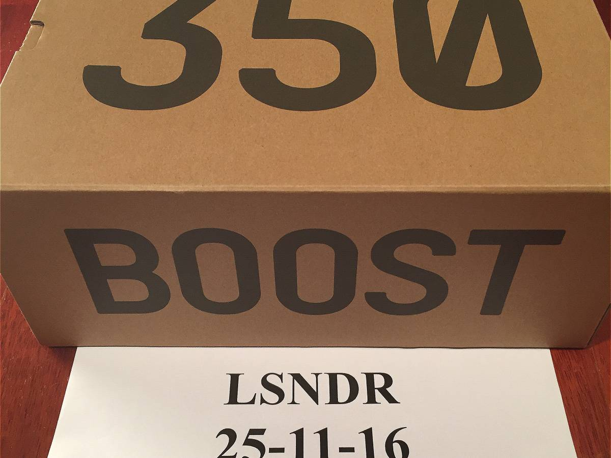 hot sale online e784c d400b adidas Yeezy Boost 350 V2 Black Copper By1605 Size 5 Ready to