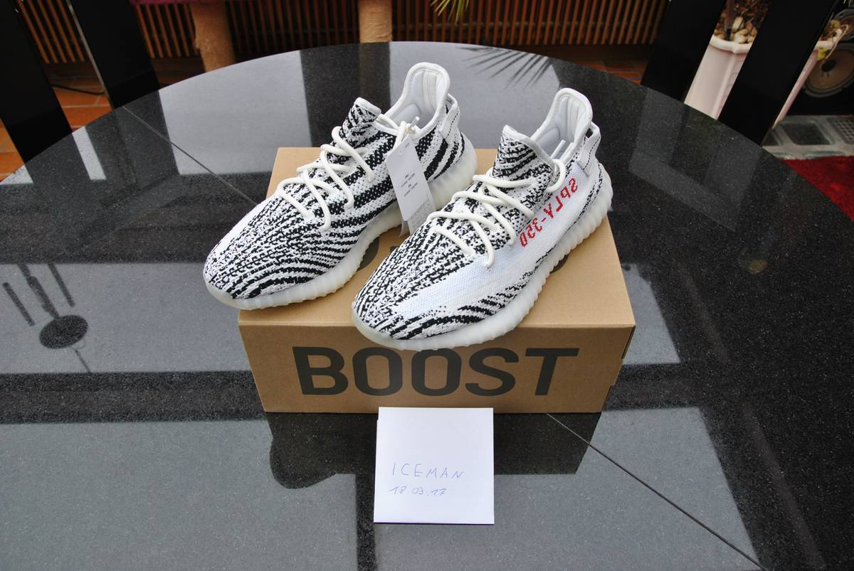 7c3d3e9028655 ... sale yeezy boost 350 v2 zebra us 9.5 photo 1 6 03906 4e2ae