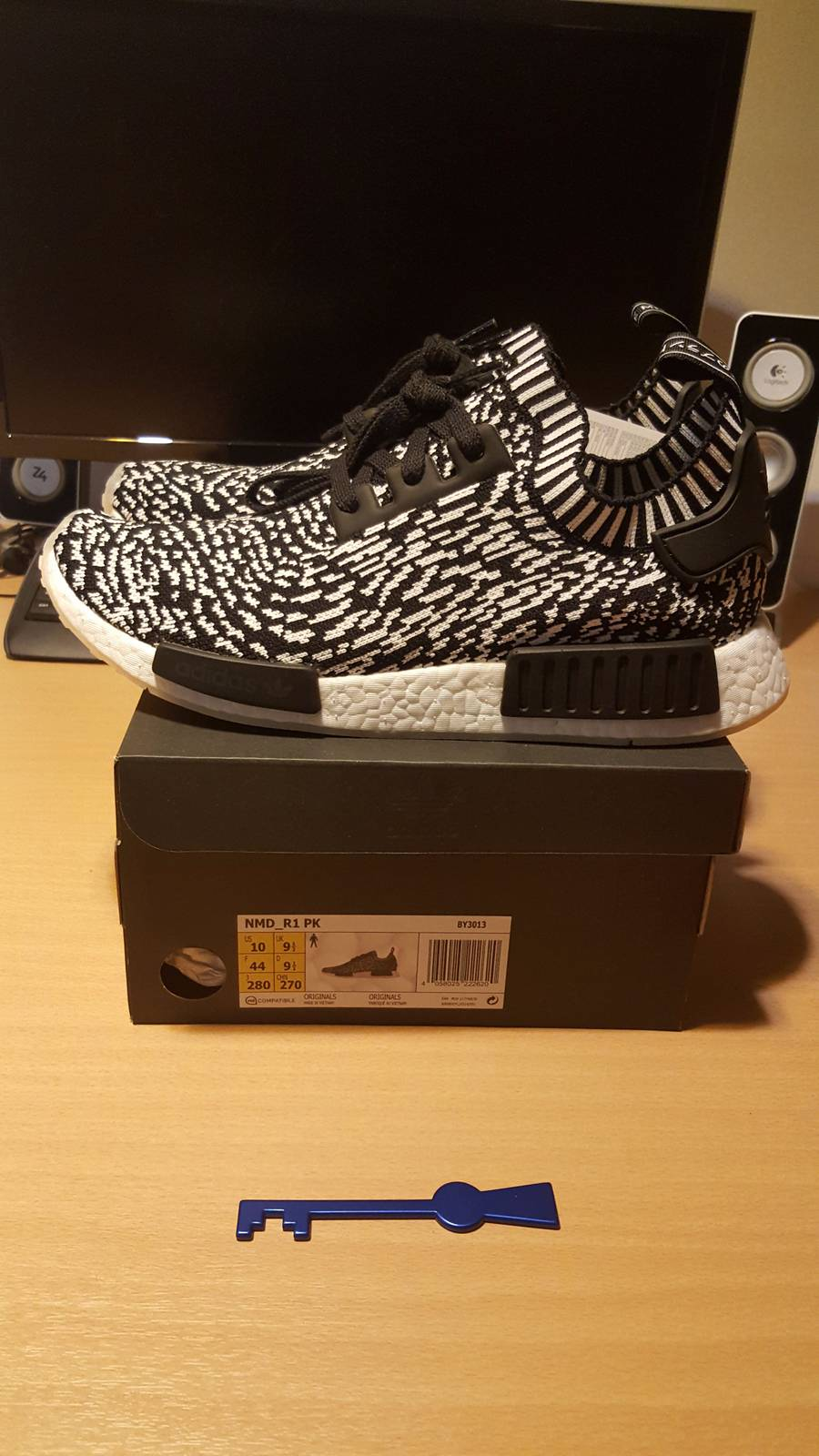 super popular ab587 12b11 Adidas Mens NMD R1 Nomad PK