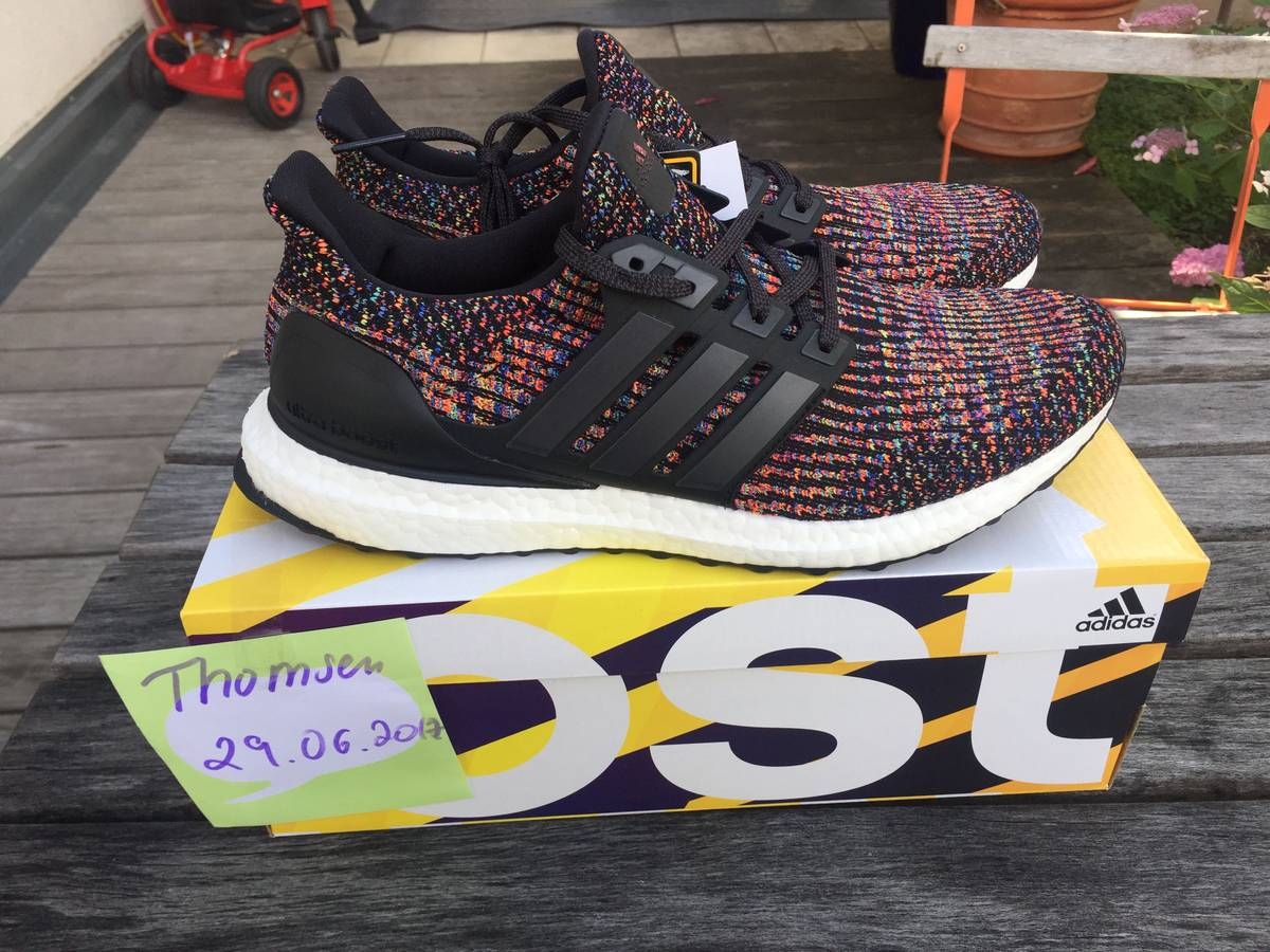 MULTI COLOR ULTRA BOOST 3.0