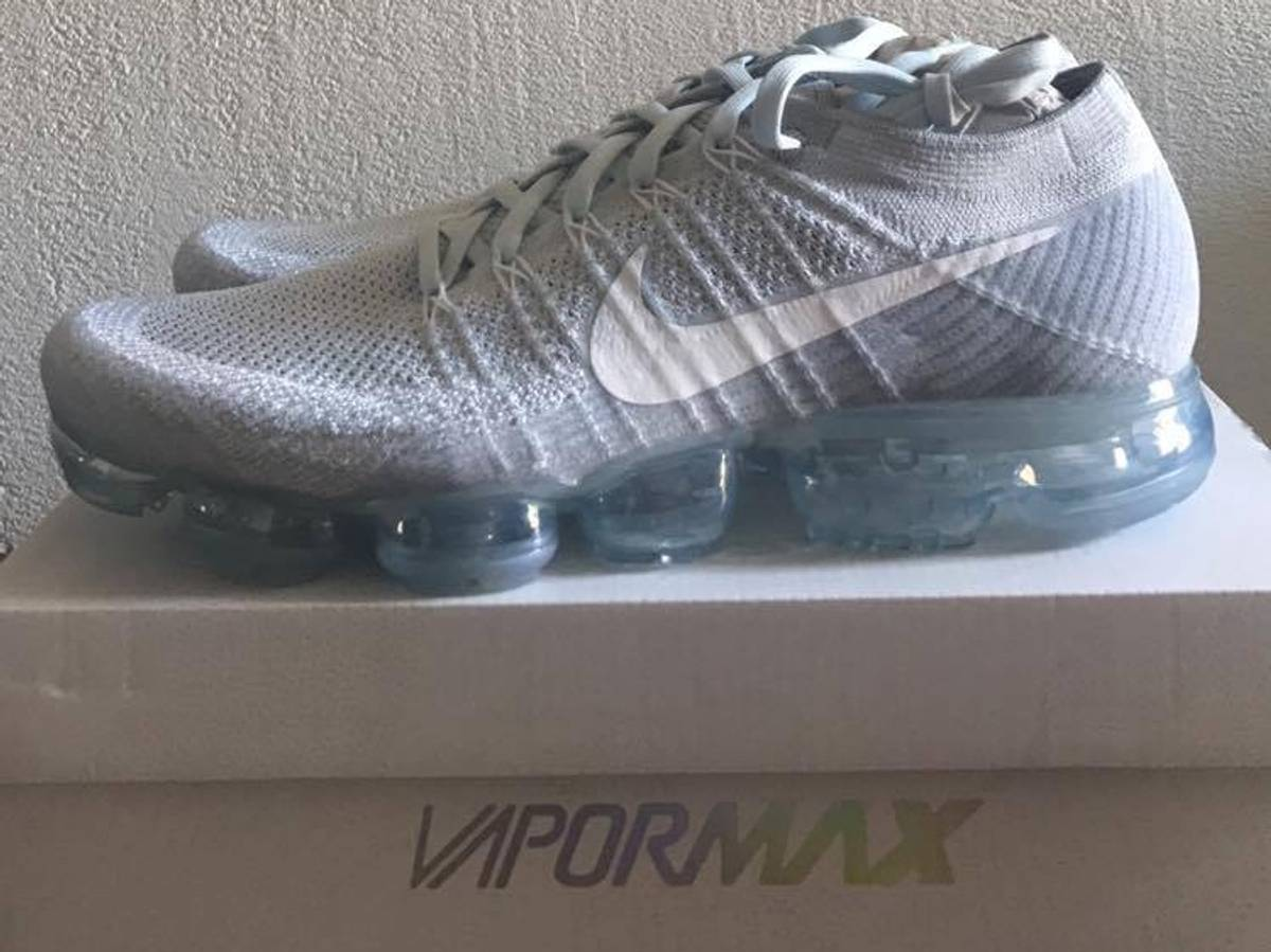 "Nike ""Triple BlackVapormax : Young California"