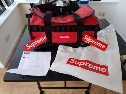 Supreme X The North Face Base Camp full leather duffel bag - photo 1/5