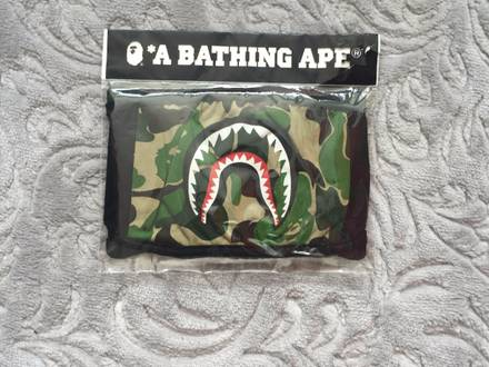 <strong>A</strong> <strong>Bathing</strong> <strong>Ape</strong> Mask - photo 1/5