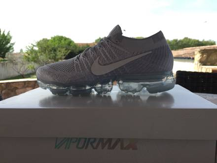 Nike Air <strong>VaporMax</strong> - photo 1/8