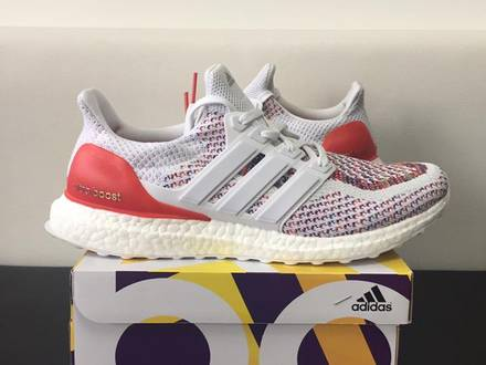 <strong>Adidas</strong> <strong>ULtra</strong> <strong>Boost</strong> Multi color 2.0 Primeknit BB3911 <strong>triple</strong> <strong>white</strong> - photo 1/5