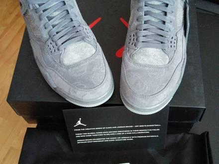 Nike Air Jordan IV Kaws US9 DS - photo 1/5