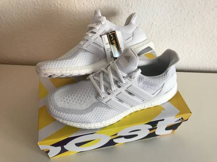 <strong>Adidas</strong> <strong>Ultra</strong> <strong>Boost</strong> 2.0 <strong>Triple</strong> <strong>White</strong> US12,5 EU47 1/3 - photo 1/5