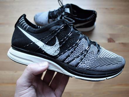 NIKE FLYKNIT TRAINER BLACK / WHITE UNPADDED 2012 532984-010 7US / UK6 / EUR40 / 25CM USED NO OG BOX - photo 1/8