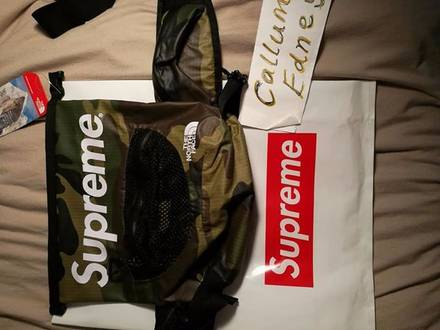 Supreme x TNF Waterproof Waistbag - photo 1/5