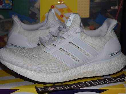 <strong>Adidas</strong> <strong>Ultra</strong> <strong>Boost</strong> <strong>Triple</strong> <strong>White</strong> 1.0 S77416 - photo 1/5