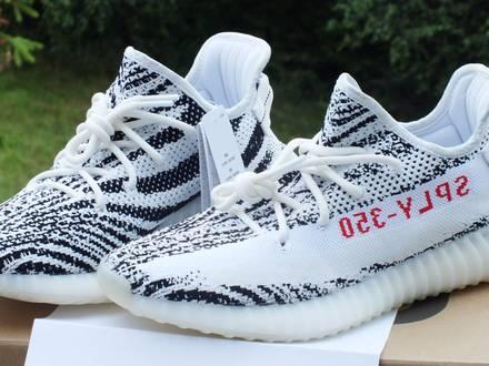 Adidas Yeezy Boost 350 v2 Zebra Size US 9,5 and US10 - photo 1/8