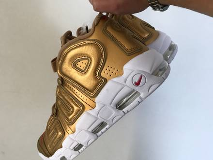 <strong>Supreme</strong> x Nike Air More <strong>Uptempo</strong> - photo 1/8