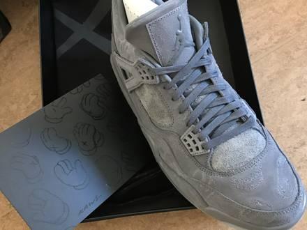 DS Air Jordan 4 x Kaws - photo 1/5