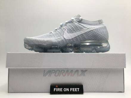 Nike Air Vapormax Flyknit Platinum White - photo 1/5