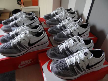 Nike Flyknit Trainer White Black 2017 us6.5, us8.5, us9, us10 - photo 1/6