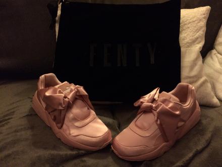 Rihanna x Puma Fenty Women's Silver Pink Bow Trinomic Sneaker - photo 1/8