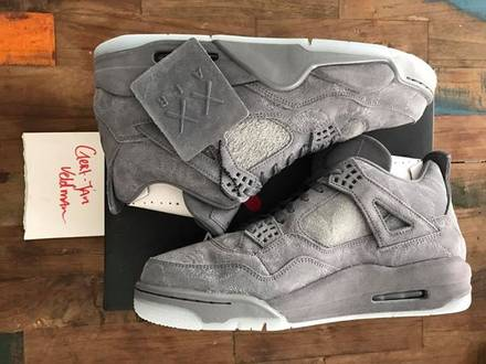 Nike Jordan x Kaws us 10 - photo 1/5