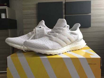 Adidas Ultra Boost Triple White US 9.5 - photo 1/5