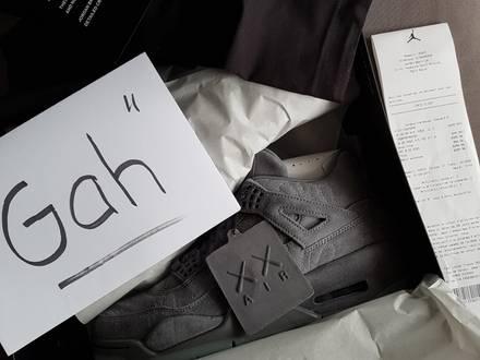 Nike Jordan 4 Kaws DS - photo 1/5