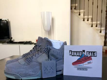 Air Jordan 4 x KAWS - photo 1/5