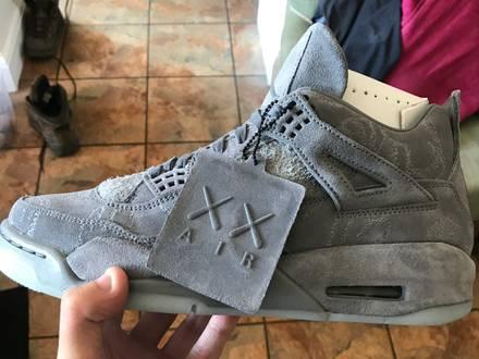 Nike x kaws air Jordan 4 - photo 1/5
