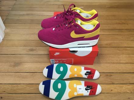 NIKE AIR MAX 1 PREMIUM OG DYNAMIC BERRY MULTIPLES SIZE US9,5/US10 - photo 1/8