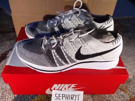Nike Flyknit Trainer White Black US10 - photo 1/5