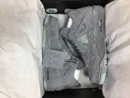 Nike Air Jordan x Kaws 4 Uk8.5 US9.5 - photo 1/6