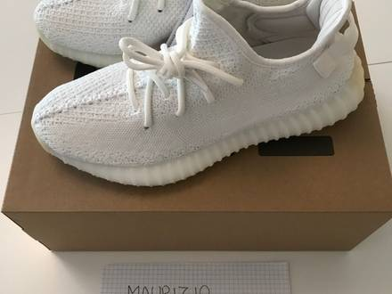 ADIDAS YEEZY BOOST 350 V2 CREAM BNWB WITH TAGS AND RECEIPT - photo 1/8