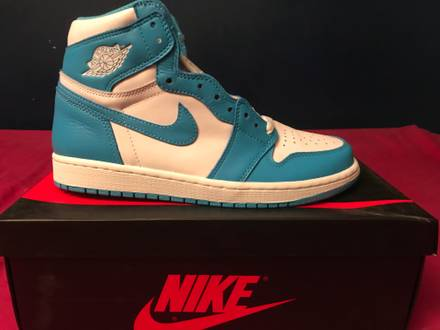 "Air Jordan 1 Retro High OG ""UNC"" Carolina - photo 1/6"
