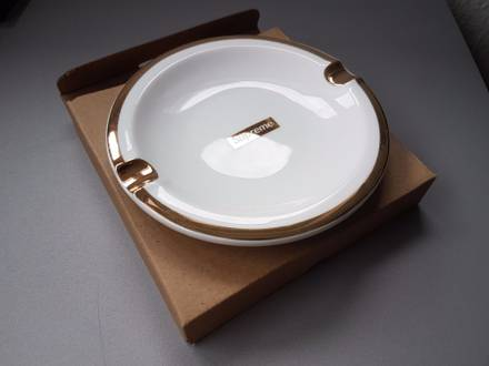 Supreme Gold Trim Ceramic Ashtray FW17 - photo 1/5