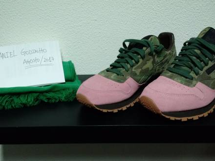 "SHOE GALLERY X REEBOK CLASSIC LEATHER ""FLAMINGOS AT WAR"" - photo 1/5"