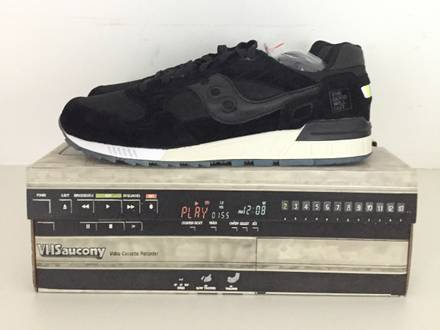 "<strong>Saucony</strong> x TGWO ""VHS"" - photo 1/5"