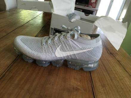 Nike <strong>VaporMax</strong> Platinum - photo 1/5