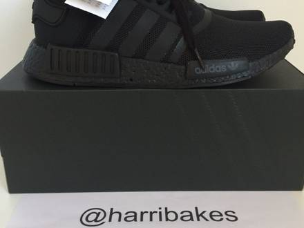 <strong>Adidas</strong> <strong>NMD</strong> R1 Triple Black Boost - photo 1/6