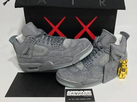 Nike Air Jordan 4 Retro x Kaws 930155 003 US8.5 42 bred royal Blue 2 3 4 5 6 7 8 9 10 11 12 13 - photo 1/6