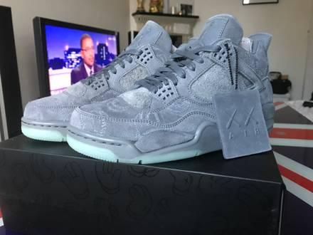 Nike Air Jordan 4 IV x Kaws sz 7 us / 6 uk / 40 eu - photo 1/8