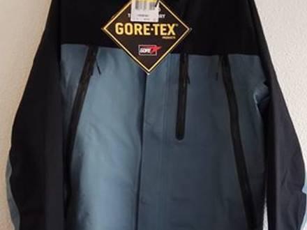Nike NikeLab Whitelabel Waterproof GORE-TEX Jacket - photo 1/8