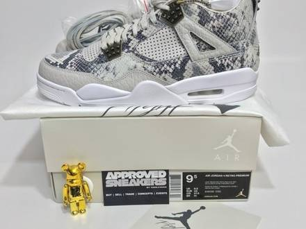Nike Air Jordan 4 Retro Premium Pinnacle Snakeskin Lightbone US9.5 43 fragment Shattered bred OG roy - photo 1/5