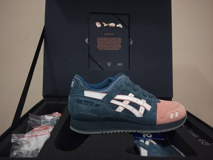 Ronnie Fieg x Asics Gel Lyte III Salmon Toe 2.0 - photo 1/7