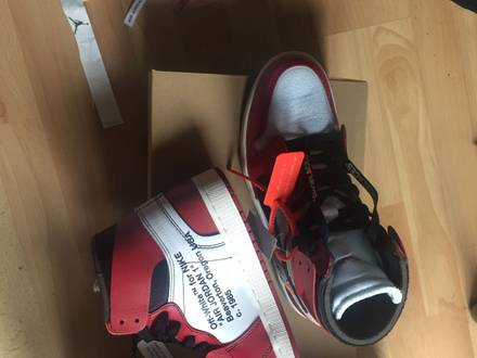 Air Jordan 1 x Off White US9.5 - photo 1/5