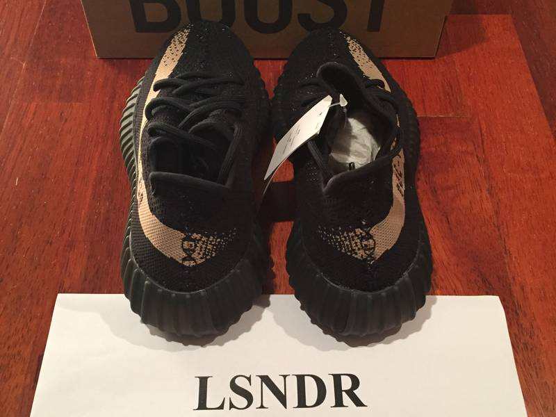 COMPARISON YEEZY 350 BOOST PIRATE BLACK BB5350