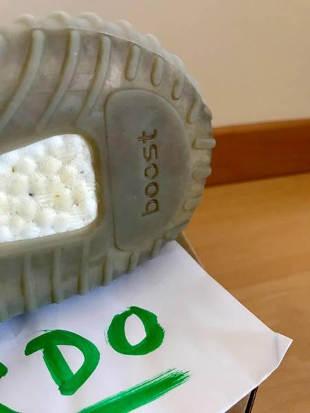Yeezy Boost 350 V2 STEGRY (Beluga) Size 10 RECEIPT