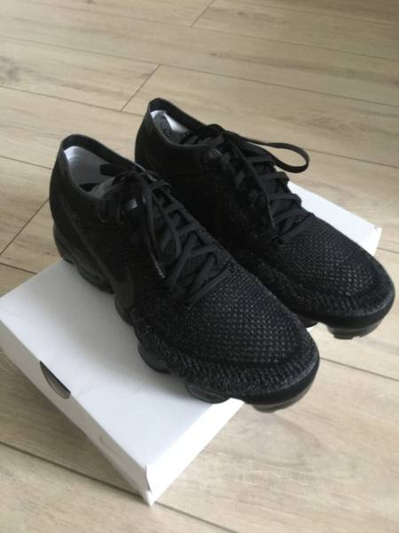 WMNS NIKE AIR VAPORMAX TRIPLE BLACK 9 US 40,5 EUR 26 CM