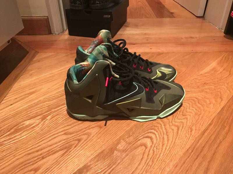 2 pairs of Lebron XI - photo 2/6