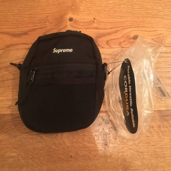Supreme NYC Shoulder Bag Black DSWT Box Logo North Face Air Force One Uptempo CDG - photo 1/6
