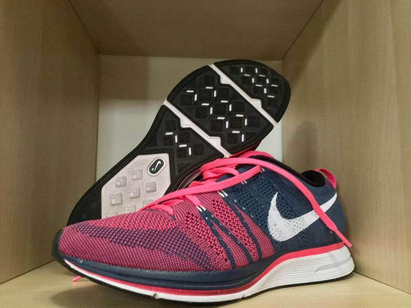 45c87564b18e ... find sneaker fecb7 05bc5 Nike Flyknit Trainer Squadron Blue White-Pink  Flash OG ...